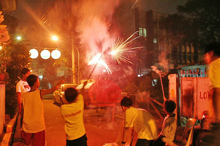 TTN Ministry -- Philippine New Year's Eve with firecrackers